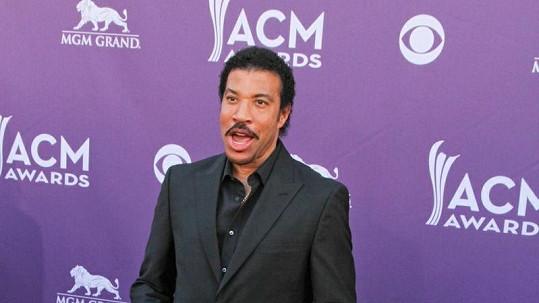 Lionel Richie na sobě o Vánocích nešetřil.