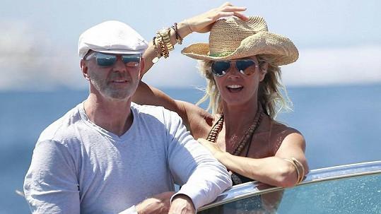 Elle MacPherson a její nový zámožný partner Roger Jenkins.