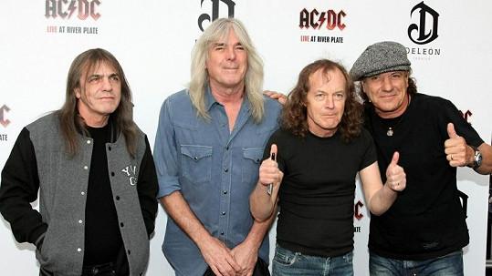 Rockeři z AC/DC holdují vínu, mají vlastní kolekci.