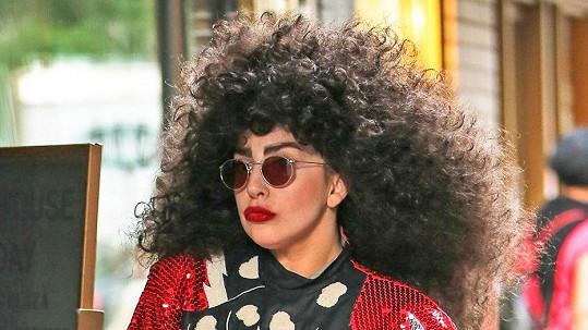 Lady Gaga opět změnila image.