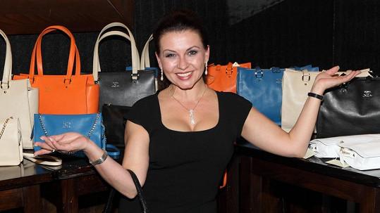Dana Morávková měla vnady proklatě vysoko.