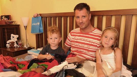 Petr Vágner se synem a dcerou