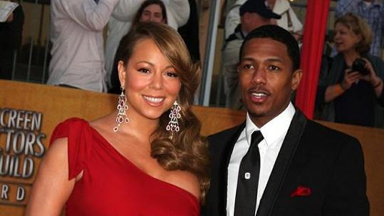 Mariah Carey a manžel Nick Cannon jsou šťastnými rodiči dvojčat Monroe a Maroccan.