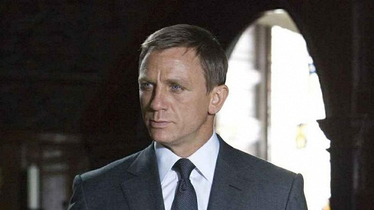 Daniel Craig jako agent James Bond.