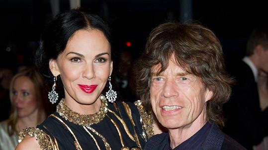 Návrhářka vše odkázala Micku Jaggerovi.