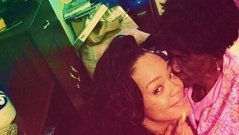 Rihanna se svou babičkou Dolly.
