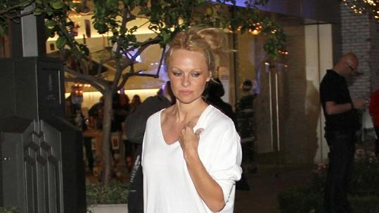 Pamela Anderson vypadá pořád velmi dobře.