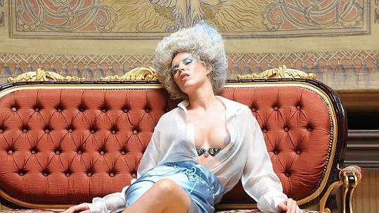 Diana Kobzanová jako hříšná šlechtična