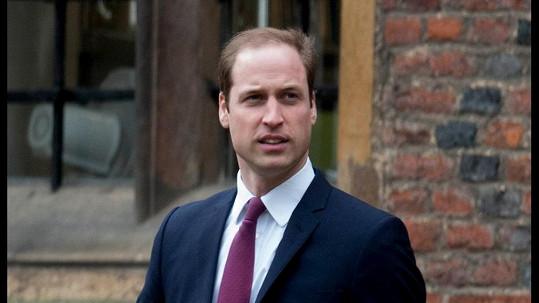 První den studií na Univerzitě Cambridge si princ William určitě představoval jinak.