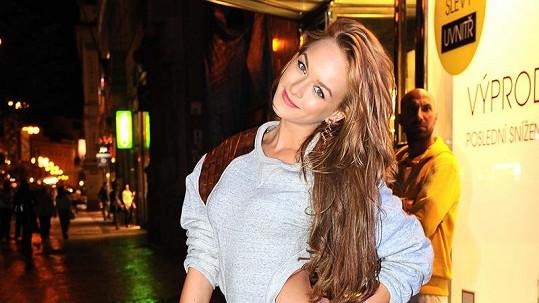 Dominika Kadlčková je neuvěřitelně sexy.