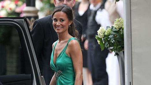 Pippa Middleton v zelených šatech, které okouzlily Anglii.