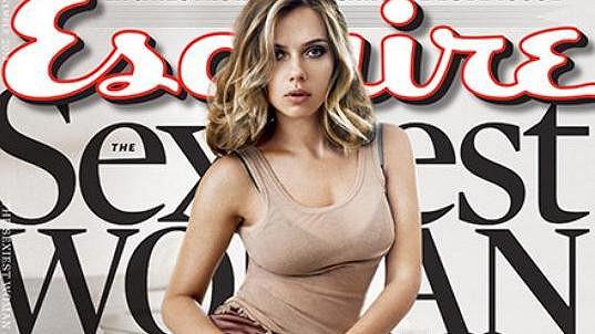 Scarlett Johansson byla jako první dvakrát vyhlášena nejpřitažlivější ženou světa.
