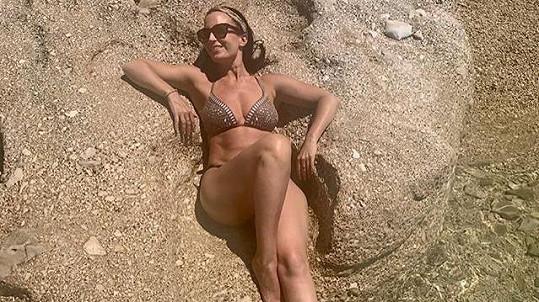 Gabriela Partyšová si užívá v teple.