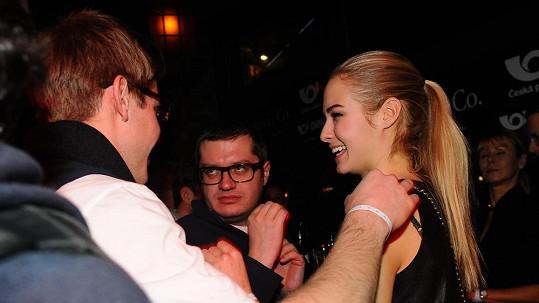 Tomáš Topolánek si vybral opravdu krásnou holku.