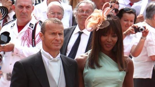 Naomi Campbell s Vladislavem Doroninem na královské svatbě v Monaku.