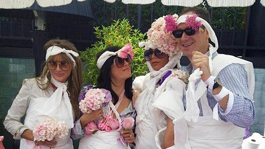 Victoria Beckham na oslavě, kterou uspořádala pro svou nenarozenou dcerku.