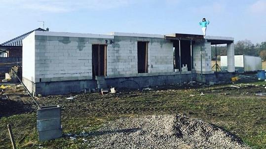 Dům Lucie Šilhánové se teprve staví
