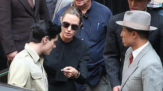 Angelina Jolie se chce prosadit jako režisérka.