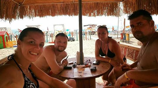 Veronika Zelníčková s přítelem a rodiči na dovolené
