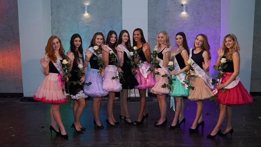 Desítka finalistek soutěže Dívka roku