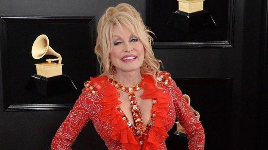 Dolly Parton je proslulá specifickým vkusem.