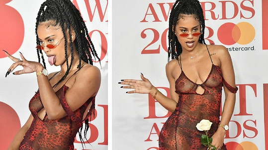 Královnou červeného koberce určeného pro příchody slavných hostů se na BRIT Awards 2018 stala jednoznačně britská zpěvačka IAMDDB (22).