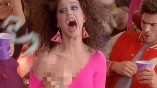 Katy Perry v bláznivém videoklipu.