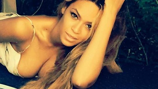 Beyoncé se na dovolené vyprsila.