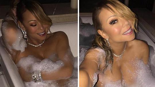 Mariah Carey provokovala ve vaně.