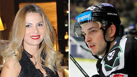 Tereza Vojtková a její vyvolený hokejista...