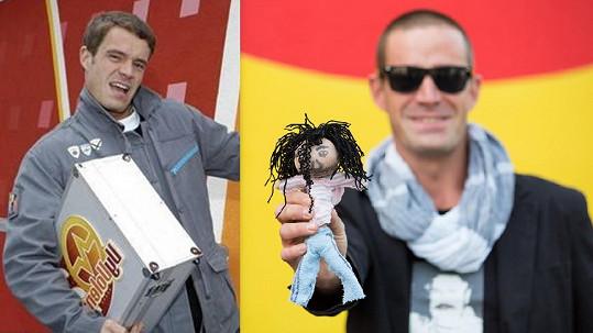 Petr Zvěřina v roce 2005 a nyní. I s vúdú panenkou Vladka.