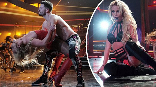 Britney Spears se na pódiu pořádně odvázala.