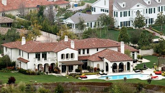 Nová nemovitost Justina Biebera v losangeleském Calabasas.
