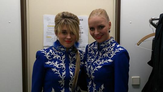 Zpěvačky Markéta Konvičková a Elis lovily chlapy v cirkuse.