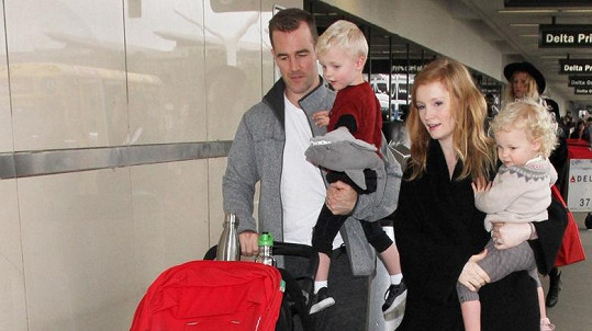 James Van Der Beek s rodinou