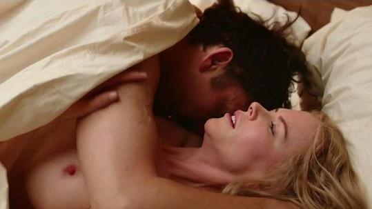 Nicole Kidman to s Clivem Owenem v novém filmu pěkně roztáčí.