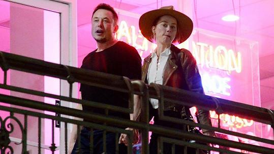 Amber Heard je už zase přítelkyní Elona Muska.