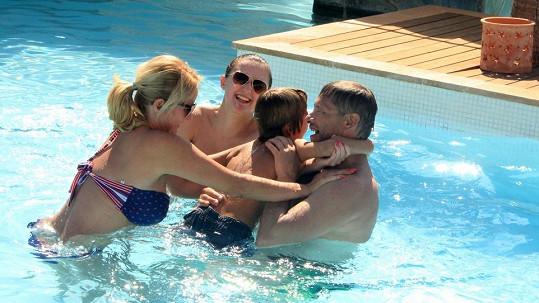 Vendula Svobodová si konečně užívá rodinné spokojenosti.