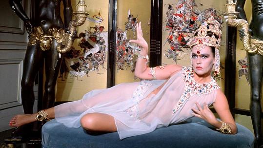 Jeanne Moreau jako svůdná Mata Hari