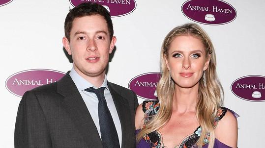 Nicky a James očekávají druhé miminko.