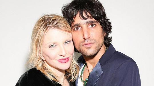 Courtney Love s novým milencem