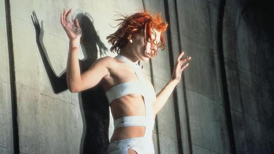 Milla Jovovich se proslavila sexy kostýmem ve filmu Pátý element.