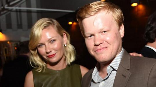 Kirsten Dunst a Jesse Plemons se zasnoubili.