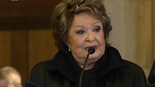 S Karlem Gottem se loučila i herečka Jiřina Bohdalová.
