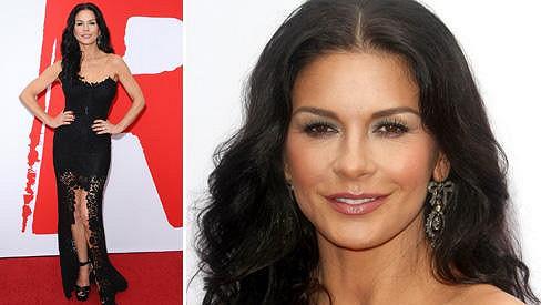 Catherine Zeta-Jones stále patří k nejhezčím herečkám.