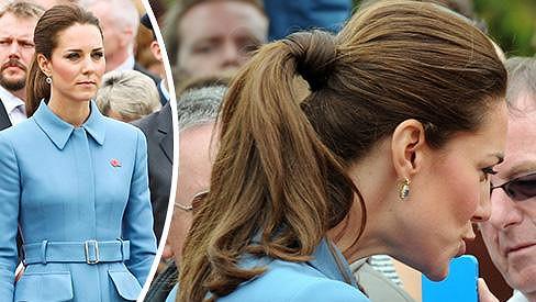 Vévodkyně Kate s účesem, na který u ní nejsme zvyklí...