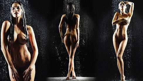 Andrea Verešová je ve svém novém kalendáři úplně nahá.