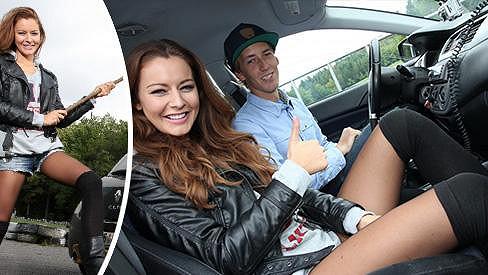 Žena za volantem je neštěstí? Ne, když řídí krásné České Miss.