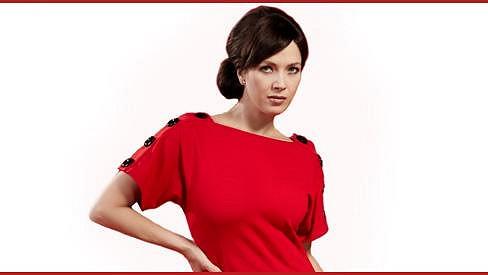 Tereza Kostková vypadá v červené barvě nádherně.