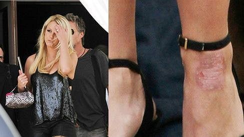 Britney Spears v Miami odhalila své nožky.